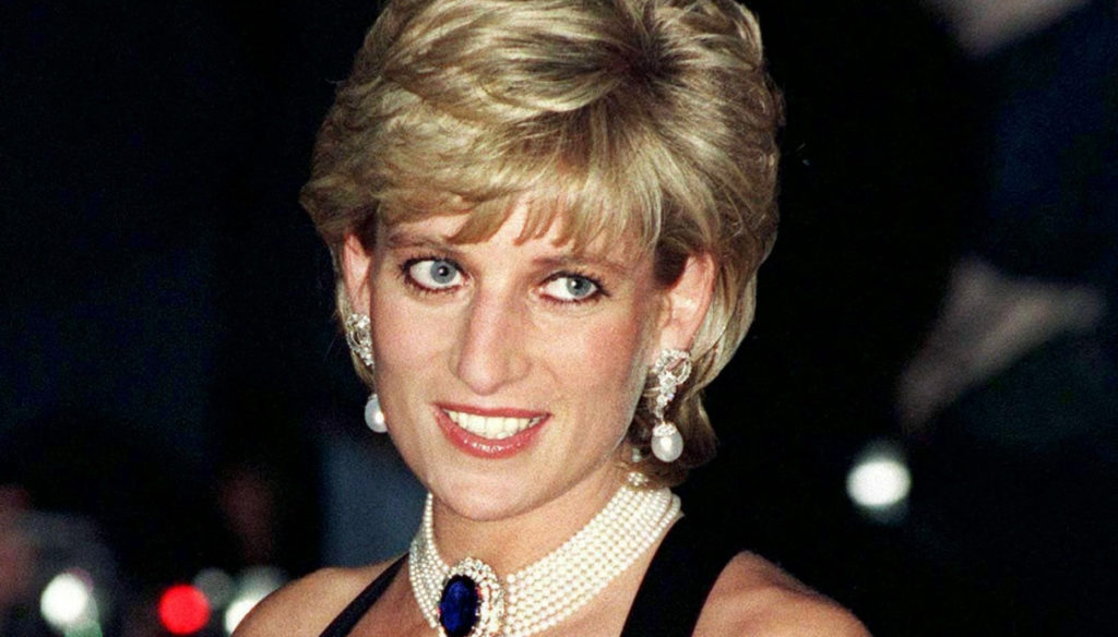Lady Diana, on Instagram never seen photos on the yacht without Carlo