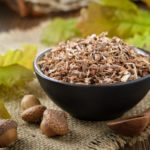 Oak as a natural remedy: properties and uses