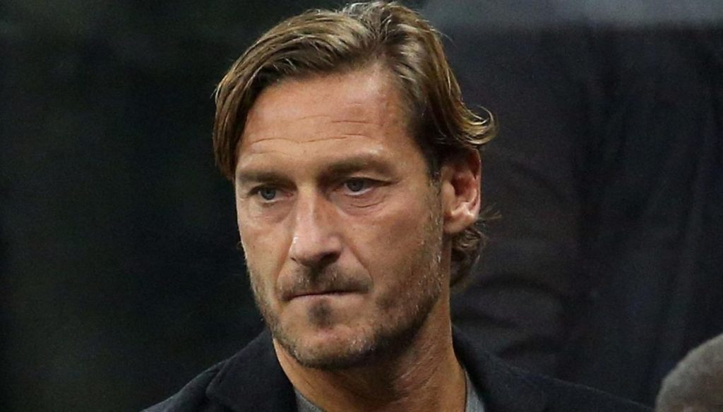 Very true, Francesco Totti: the first Christmas without father Enzo, with Ilary and his family