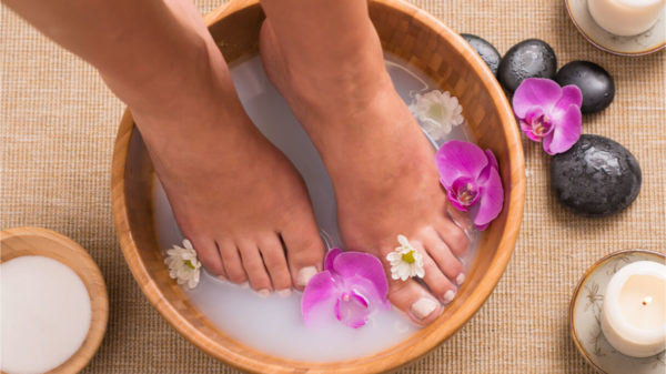 What to use for a do-it-yourself foot bath