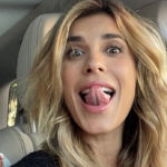 Elisabetta Canalis, blonde turning point. But the fans don't like it