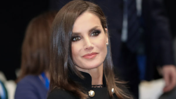 Letizia of Spain wears the jewel coat and conquers everyone