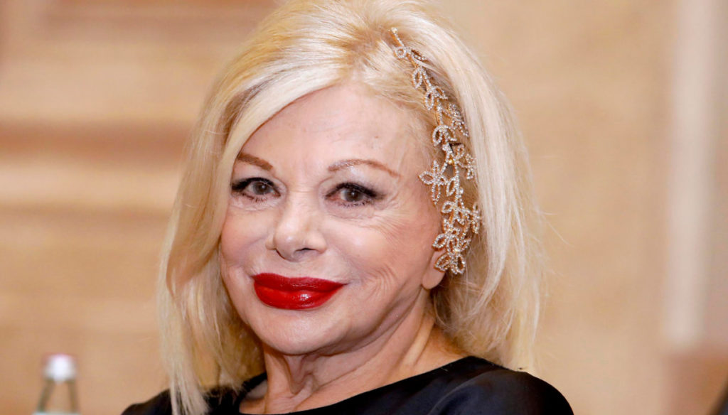 Sandra Milo responds to criticism for the photos without veils: Tiziano Ferro comments