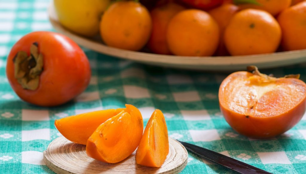 Diet with persimmon, fight inflammation and protect eyesight