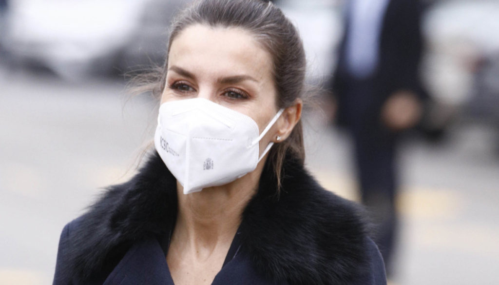Letizia of Spain transforms the masculine look but makes several mistakes