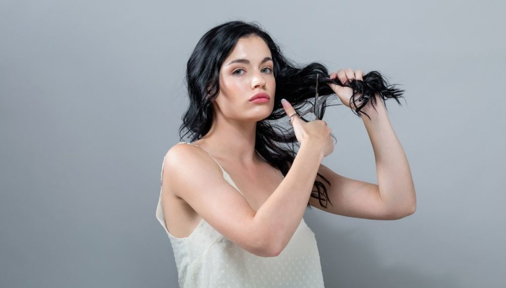 Pinning and cutting your hair yourself at home, the ultimate guide