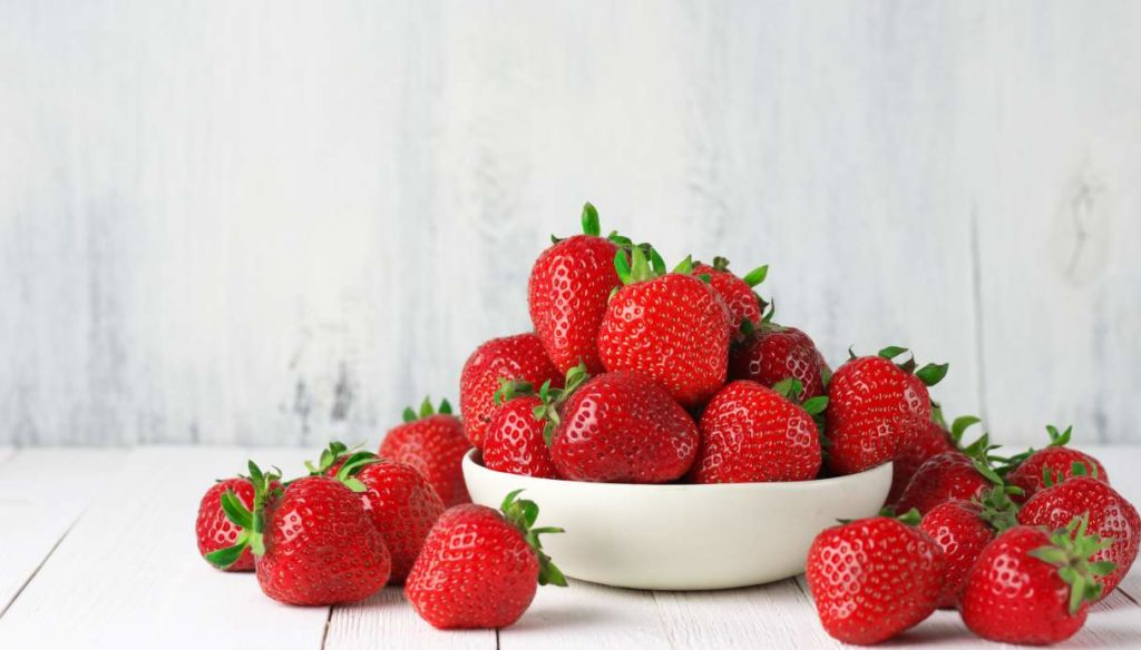 Strawberries: calories, properties, benefits and side effects