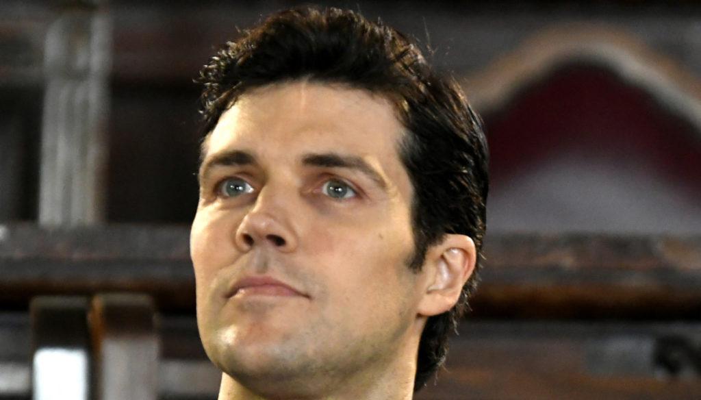 Striscia la Notizia, Roberto Bolle si difende dopo l'incidente di Valerio Staffelli