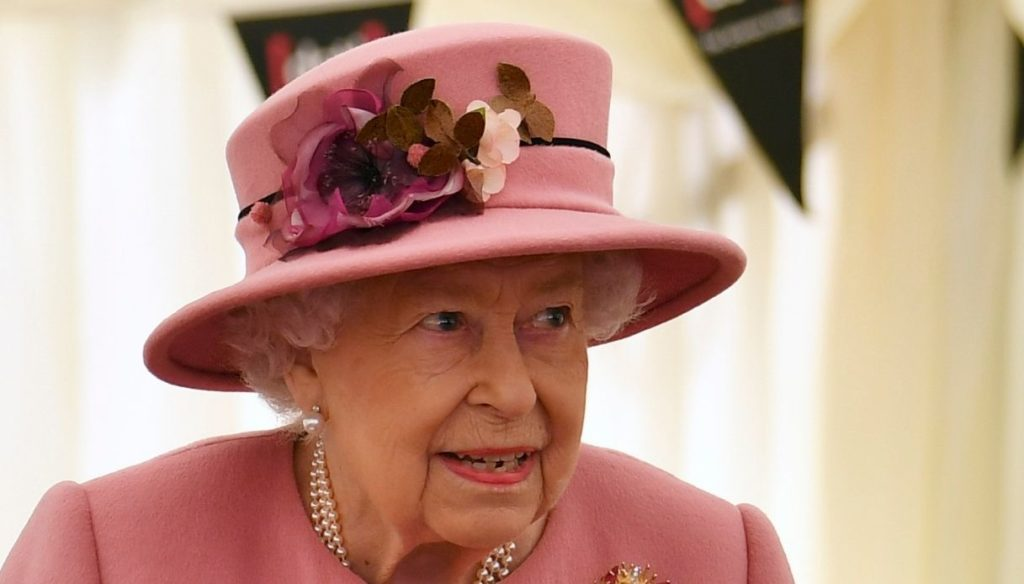 The Queen breaks tradition after 33 years: Christmas at Windsor Castle