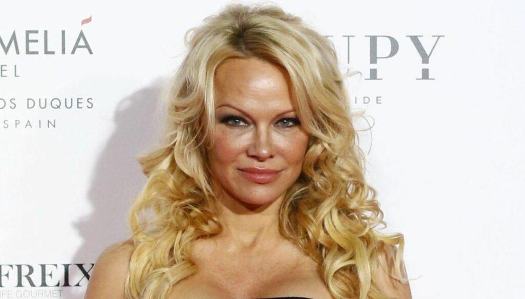 Pamela Anderson, the actress said goodbye to social media