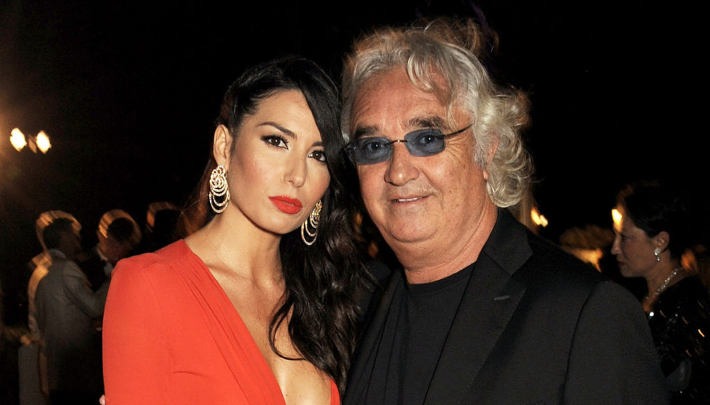 Elisabetta Gregoraci on vacation with Briatore. And a love phrase appears