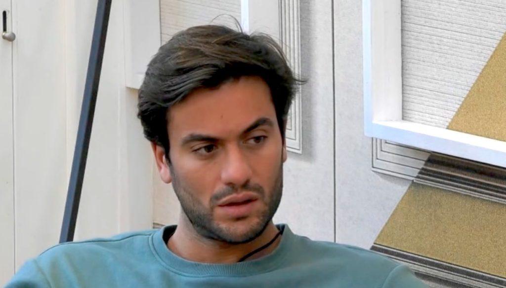 """GF Vip, lo sfogo di Pretelli con Giulia: """"Sono stanco di giustificarmi"""""""