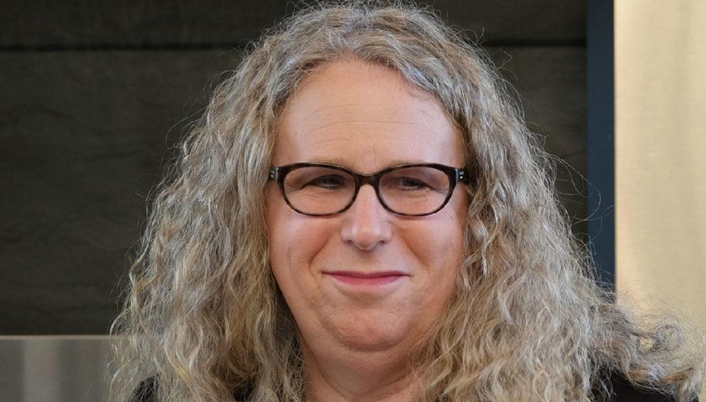 Rachel Levine, chi è la transgender scelta da Biden per la Sanità