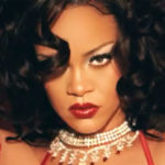 Rihanna: la sua lingerie di San Valentino è super sensuale (e body positive)