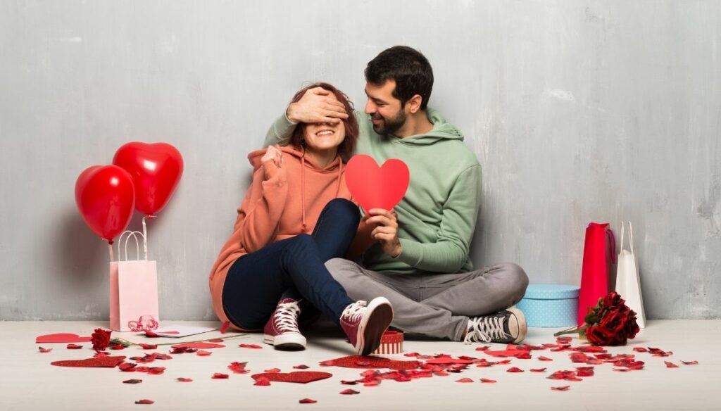 Romantic and cheap DIY Valentine's Day beauty gifts