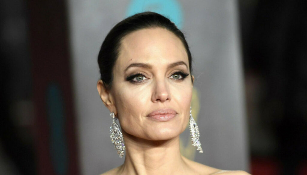 """Angelina Jolie, life after Brad Pitt: """"I want to reconcile the family"""""""