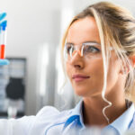 Women in science: between precariousness and challenges. Three testimonials