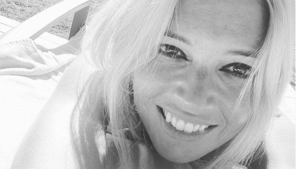 Carlotta Mantovan beautiful in the sun: the first bikini of the season
