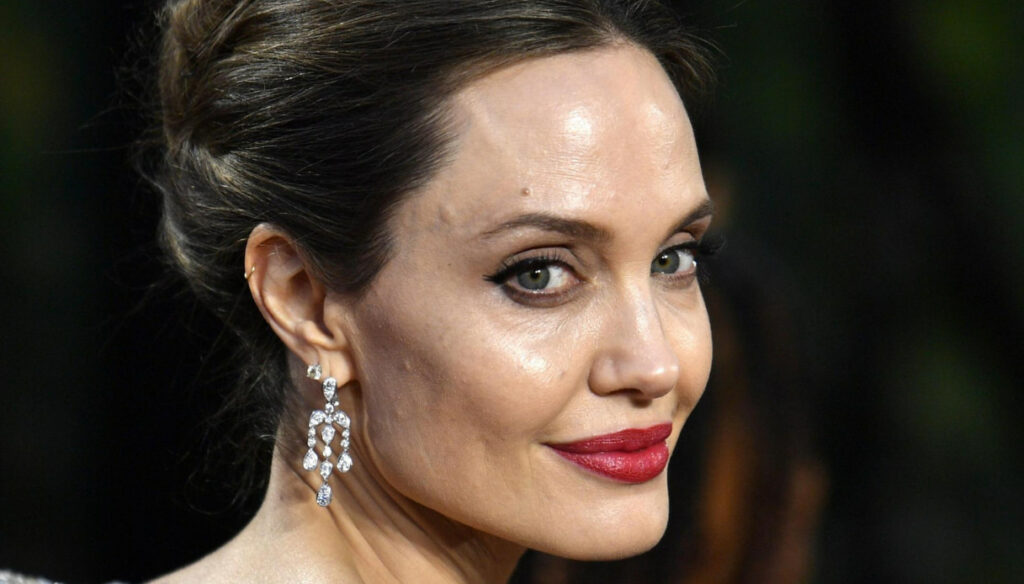 Angelina Jolie sells Brad Pitt's precious gift at auction