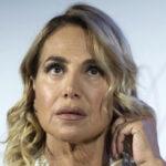 """Barbara D'Urso replica a Memo Remigi: """"Mai storie con un uomo sposato"""""""