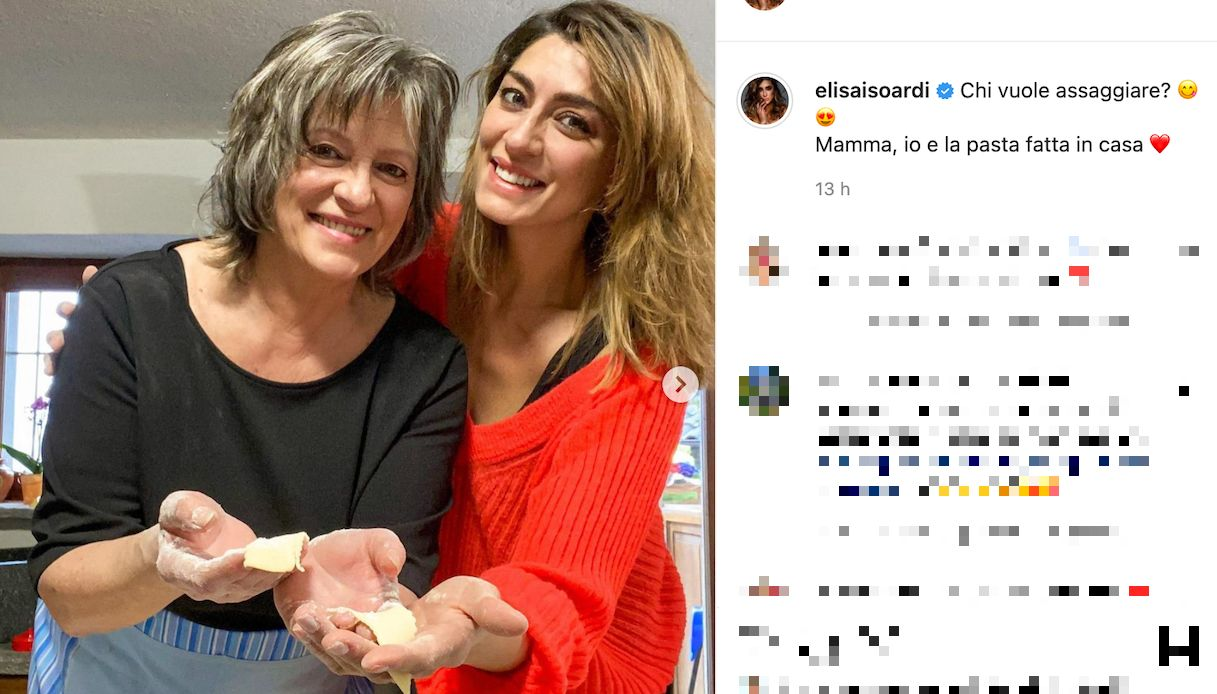 Elisa Isoardi, the similarity with her mother Irma