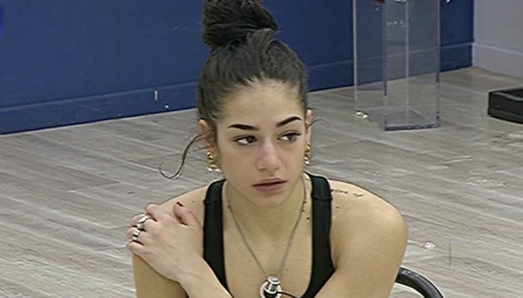 """Amici 2021, Rosa in crisi dopo le prove: """"Non me lo posso permettere"""""""