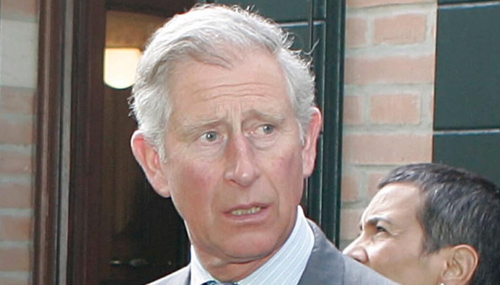 Principe Filippo in ospedale, la visita del Principe Carlo fa preoccupare