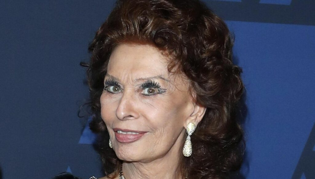 "Sophia Loren, the ""L.A., Italy Legend Award"" to the actress"