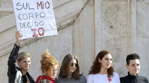 """""""No to abortion"""". Italian women protest for their rights"""