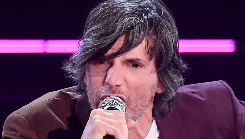 Sanremo 2021, Bugo performs and Morgan takes revenge on Instagram
