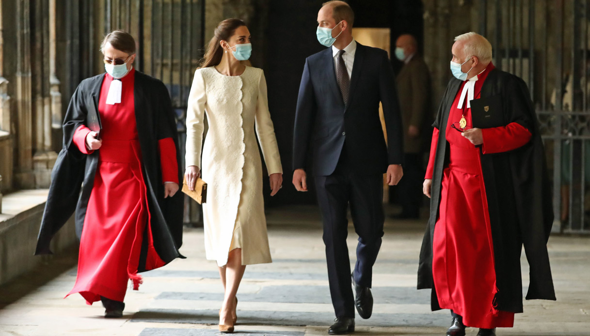 "Kate Middleton William ""width ="" 1217 ""height ="" 694 ""srcset ="" https://tipsforwomens.org/wp-content/uploads/2021/03/1616514913_866_Kate-Middleton-surpasses-herself-with-the-E-3485-white-coat.jpg?resize = 1217,694 1217w, https://tipsforwomens.org/wp-content/uploads/2021/03/1616514913_866_Kate-Middleton-surpasses-herself-with-the-E-3485-white-coat.jpg?resize=300,171 300w, https://Tipsforwomens.it /wp-content/uploads/sites/3/2021/03/kate-middleton-william-sguardo.jpg?resize=768,438 768w, https://Tipsforwomens.it/wp-content/uploads/sites/3/2021/ 03 / kate-middleton-william-stare.jpg? Resize = 1024,584 1024w, https://tipsforwomens.org/wp-content/uploads/2021/03/1616514913_866_Kate-Middleton-surpasses-herself-with-the-E-3485-white-coat.jpg ? resize = 436,249 436w, https://tipsforwomens.org/wp-content/uploads/2021/03/1616514913_866_Kate-Middleton-surpasses-herself-with-the-E-3485-white-coat.jpg?resize=1080,616 1080w ""sizes ="" (max -width: 1217px) 100vw, 1217px"