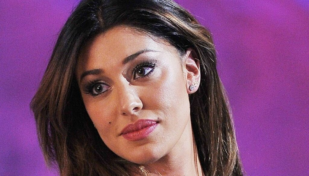 """Belen Rodriguez, the compliments of Maurizio Costanzo: """"Admirable gesture"""""""