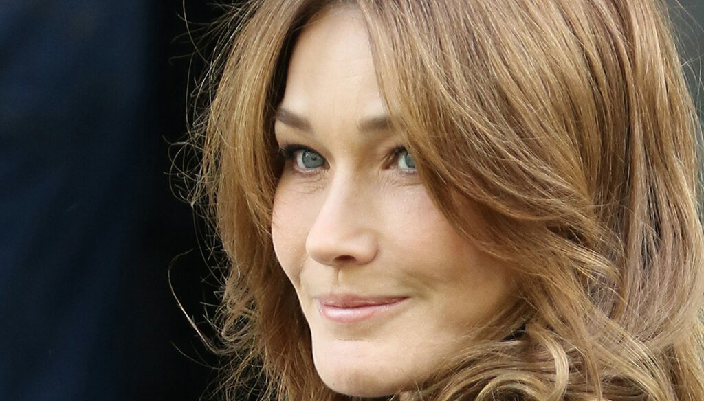 Carla Bruni who loves and defends Sarkozy until the end