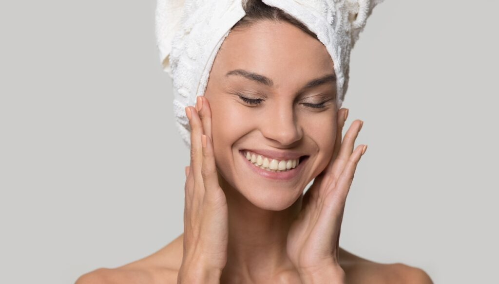 How to nourish the skin of the face and body during the summer