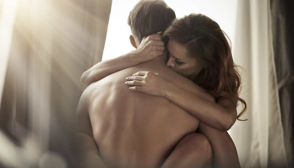 How to overcome the embarrassment of being naked with your partner