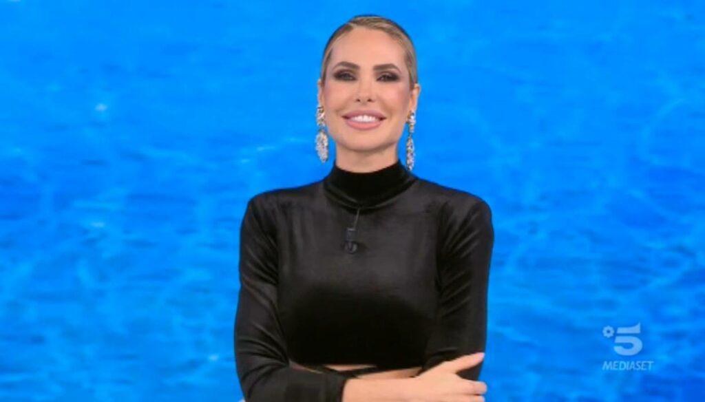 Ilary Blasi, prima puntata dell'Isola 2021