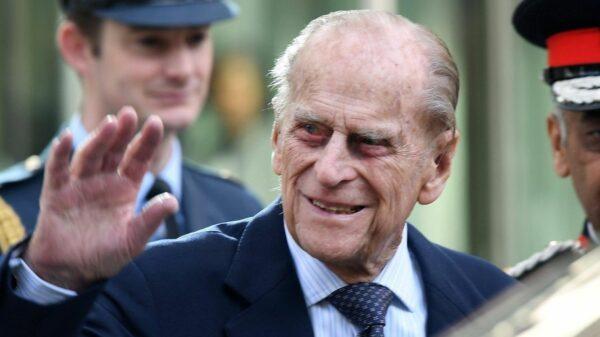 Il Principe Filippo è stato operato al cuore ma resta in ospedale