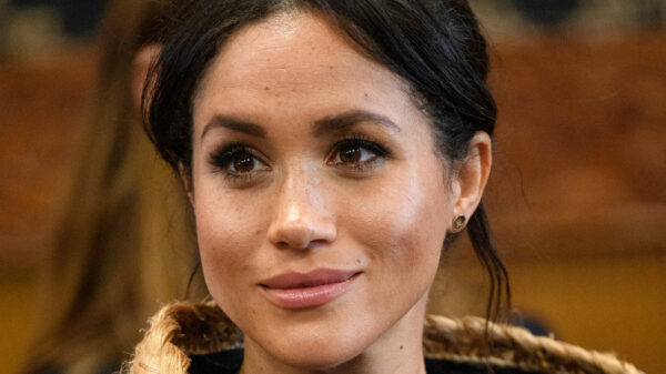 Meghan Markle implacabile, scatena gli avvocati contro Buckingham Palace