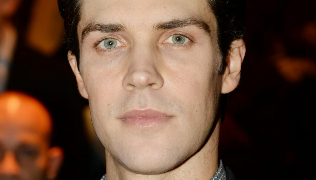 Roberto Bolle changes his life and reveals what he thinks of Amici di Maria De Filippi