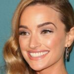 Who is Brianne Howey, actress of the series of the moment Ginny and Georgia