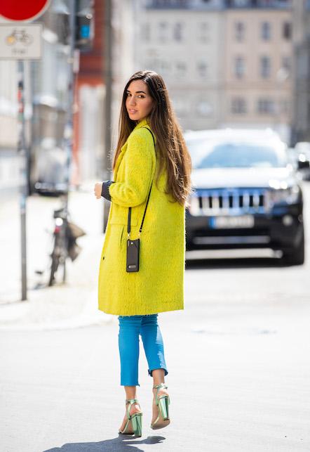 street style yellow