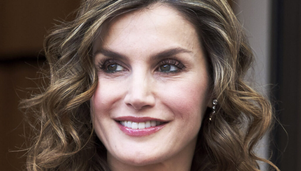 Letizia of Spain surprises with the ethnic blazer of 6 years ago and sets the trend