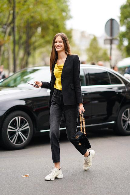 How to wear a black satin jacket: black jeans
