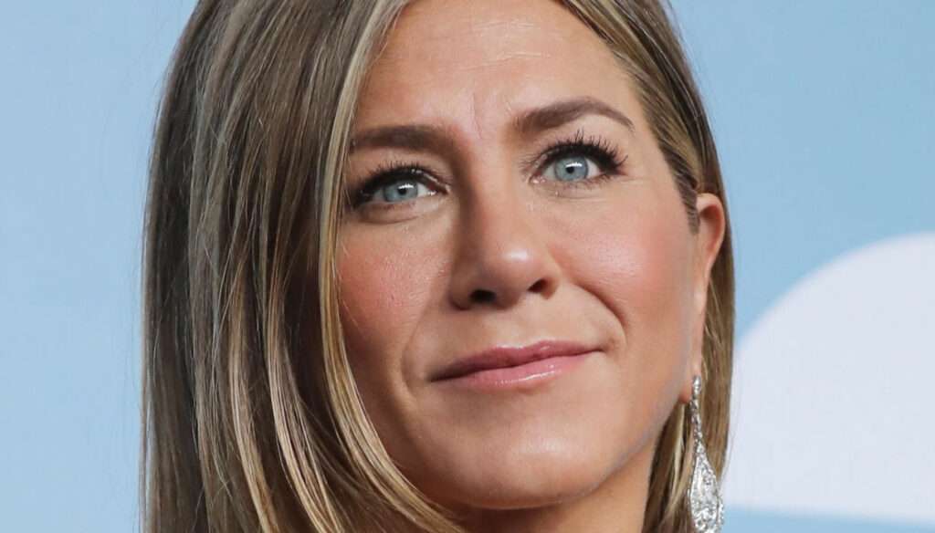 Jennifer Aniston, those annoying voices that want her to be a mother