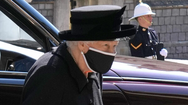 Funeral of Prince Philip: signs of thaw between Harry and William. The Queen's pain