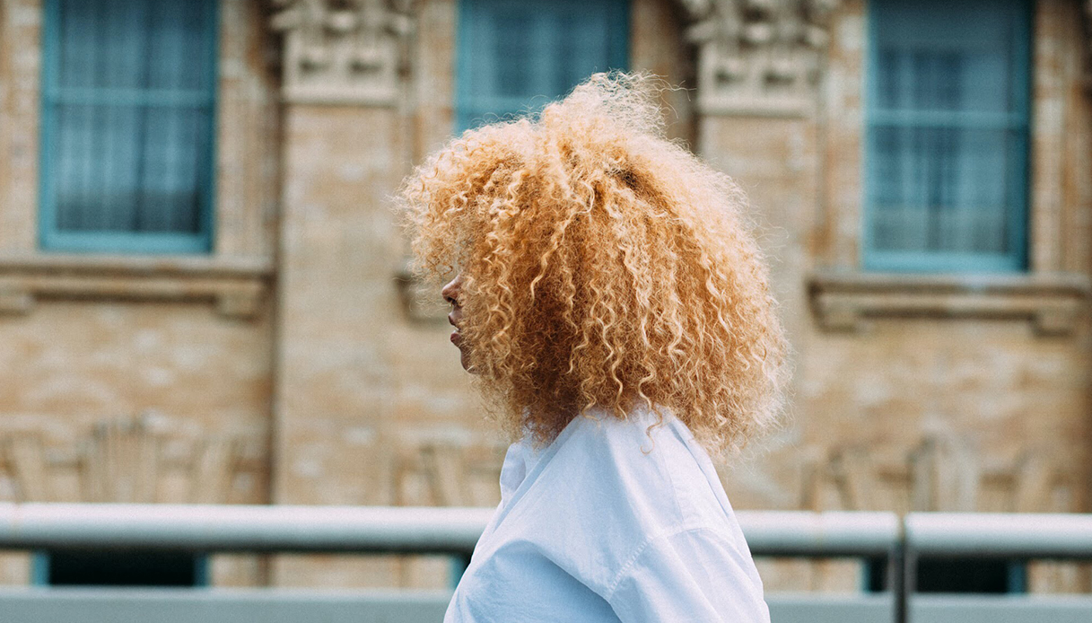 """coconut oil curly hair """"width ="""" 1080 """"height ="""" 616 """"srcset ="""" https://Tipsforwomens.it/wp-content/uploads/sites/3/2021/04/olio-di-cocco-capelli-ricci .jpg? resize = 1217,694 1217w, https://tipsforwomens.org/wp-content/uploads/2021/04/1619531959_352_Coconut-oil-for-hair-how-to-use-it-and-all.jpg?resize=300,171 300w, https : //Tipsforwomens.it/wp-content/uploads/sites/3/2021/04/olio-di-cocco-capelli-ricci.jpg? resize = 768,438 768w, https://Tipsforwomens.it/wp-content/ uploads / sites / 3/2021/04 / coconut-oil-curly-hair.jpg? resize = 1024,584 1024w, https://Tipsforwomens.it/wp-content/uploads/sites/3/2021/04 /olio-di-cocco-capelli-ricci.jpg?resize=436,249 436w, https://Tipsforwomens.it/wp-content/uploads/sites/3/2021/04/olio-di-cocco-capelli-ricci. jpg? resize = 1080,616 1080w """"sizes ="""" (max-width: 1080px) 100vw, 1080px"""