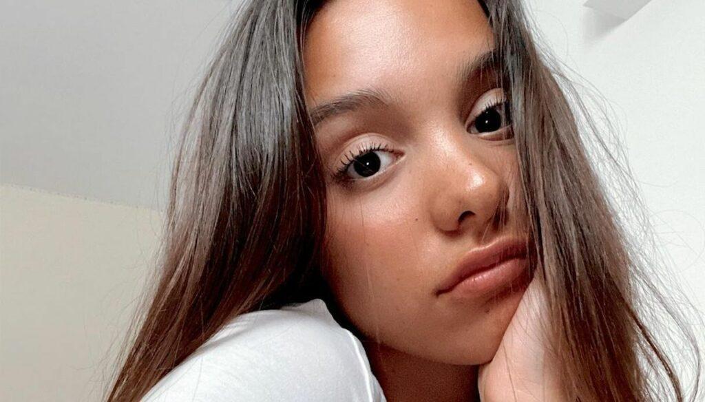 Who is Iris Ferrari, young writer and star of TikTok
