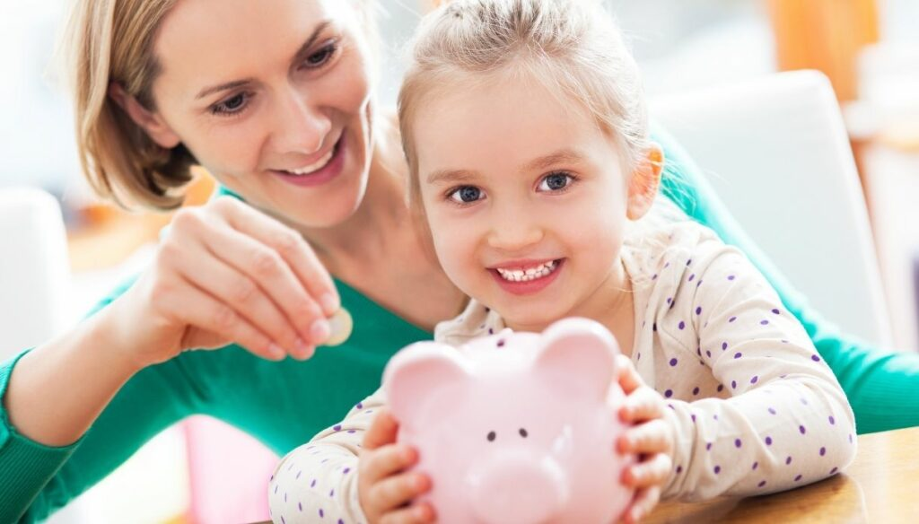 Bonus mom tomorrow, 800 euros for each child: requirements and application 2021
