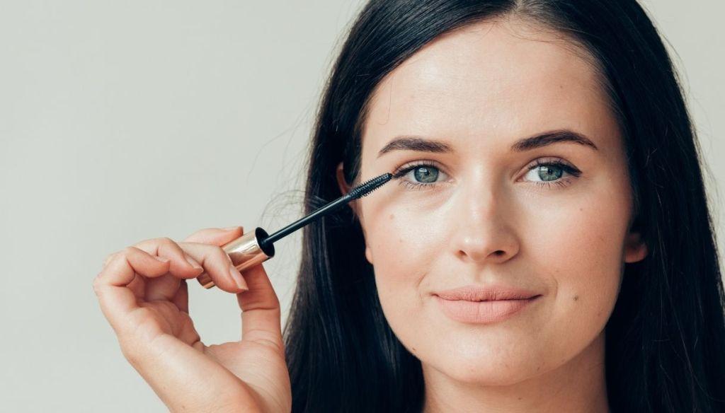 woman light skin dark eyes mascara