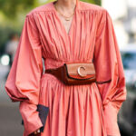Coral red: look and shopping ideas for the summer